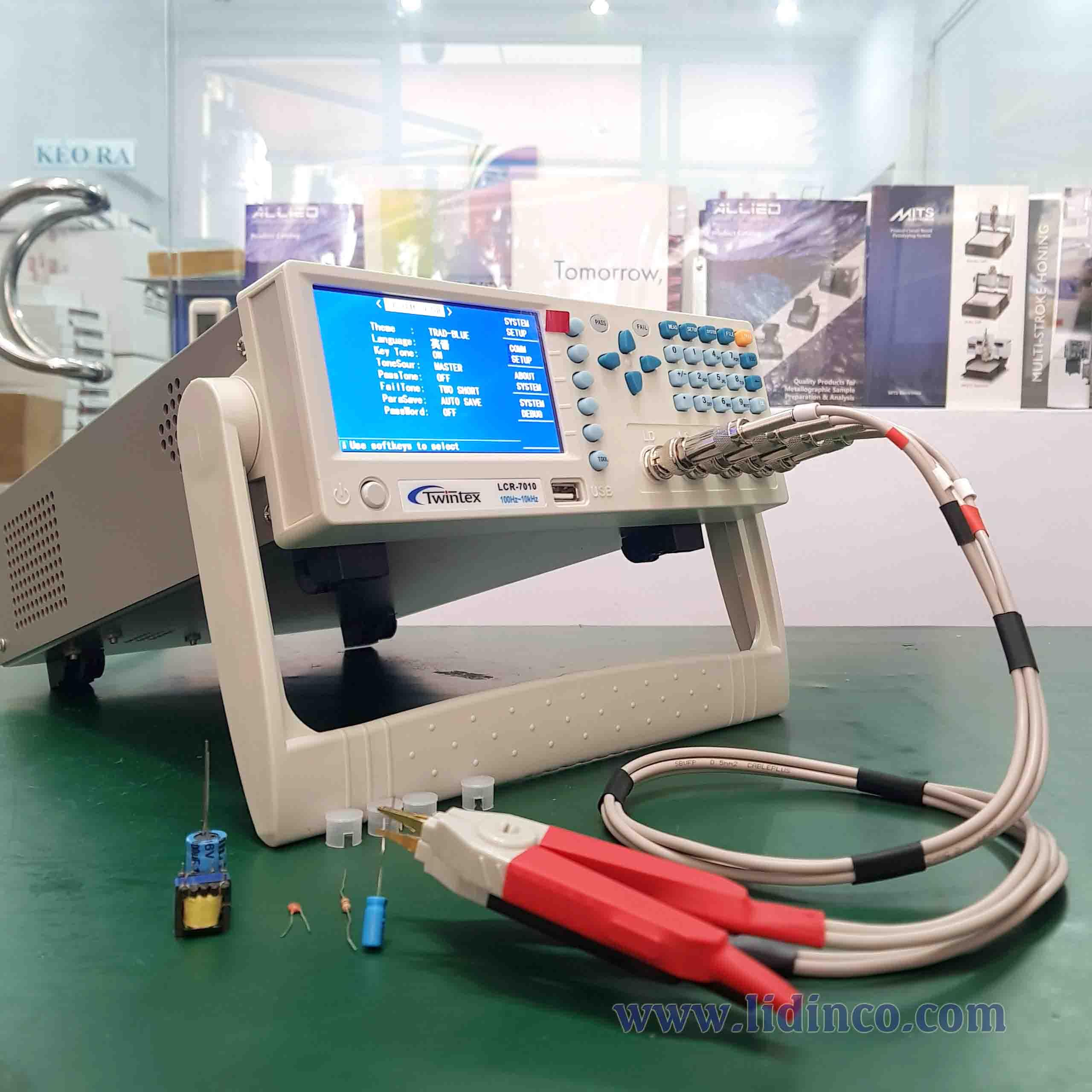 Máy đo LCR Twintex LCR7000A