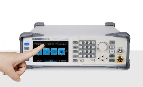 máy phát tín hiệu RF sử dụng dễ dàng