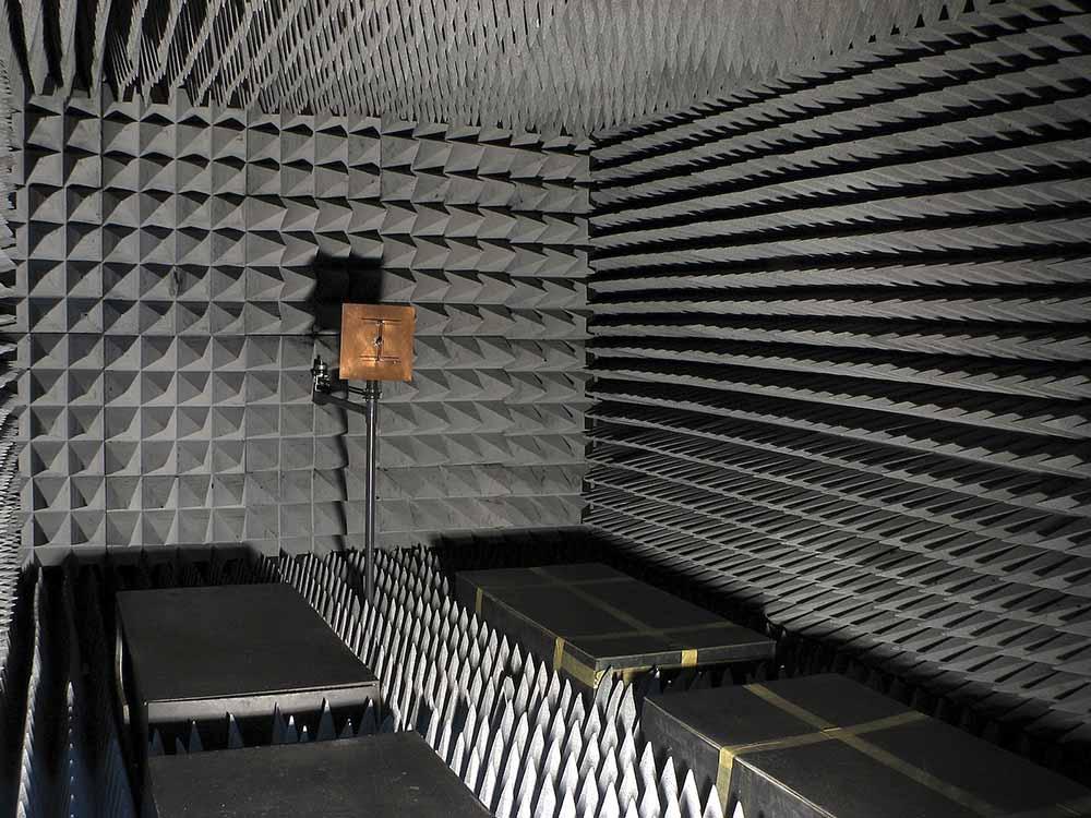 Phòng ngăn phản xạ tín hiệu RF là gì