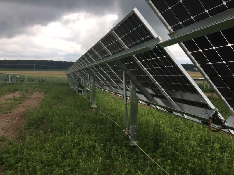 gas spring giảm chấn dùng trong các tấm pin năng lượng mặt trời